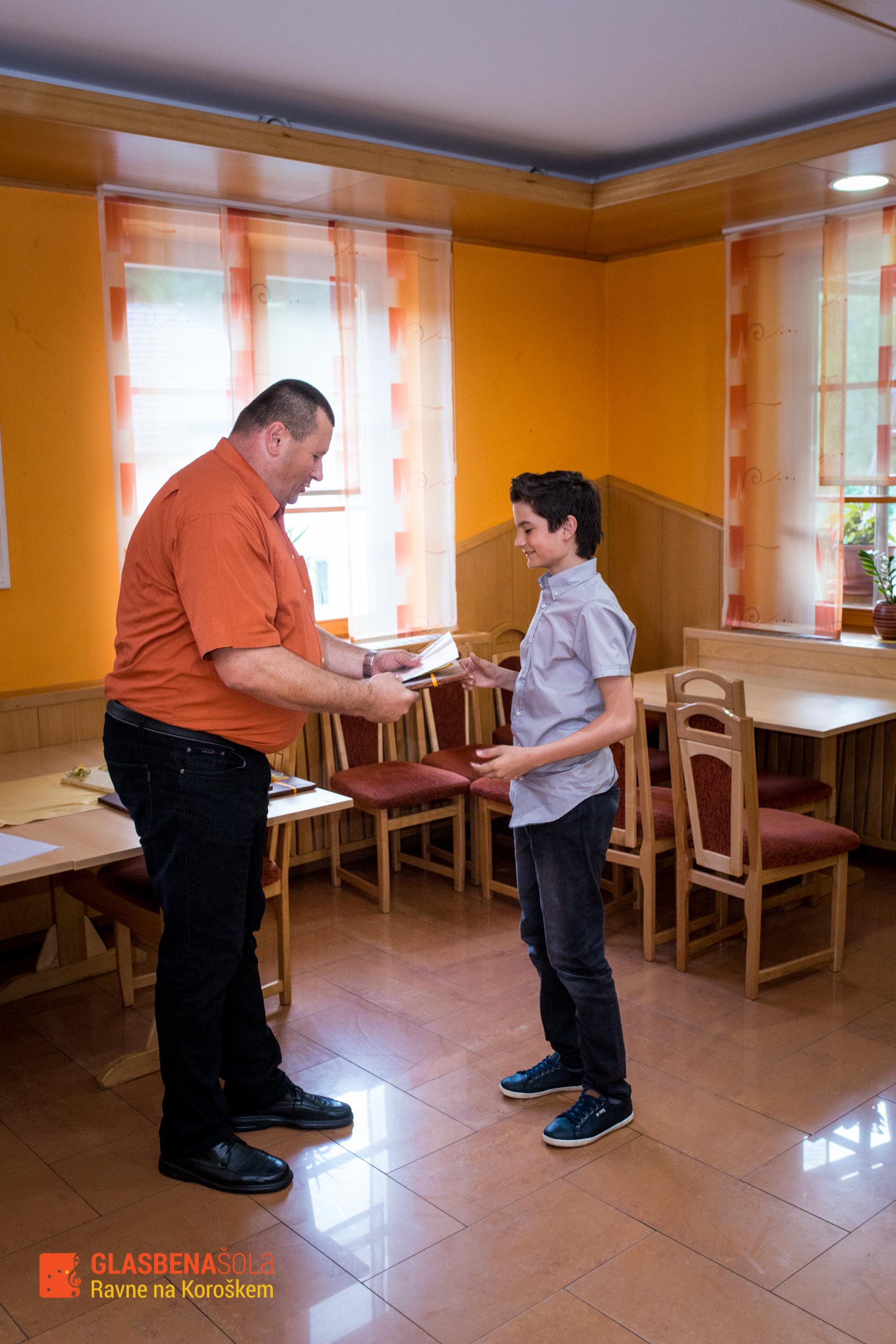 podelitev-prizanj_062015-13