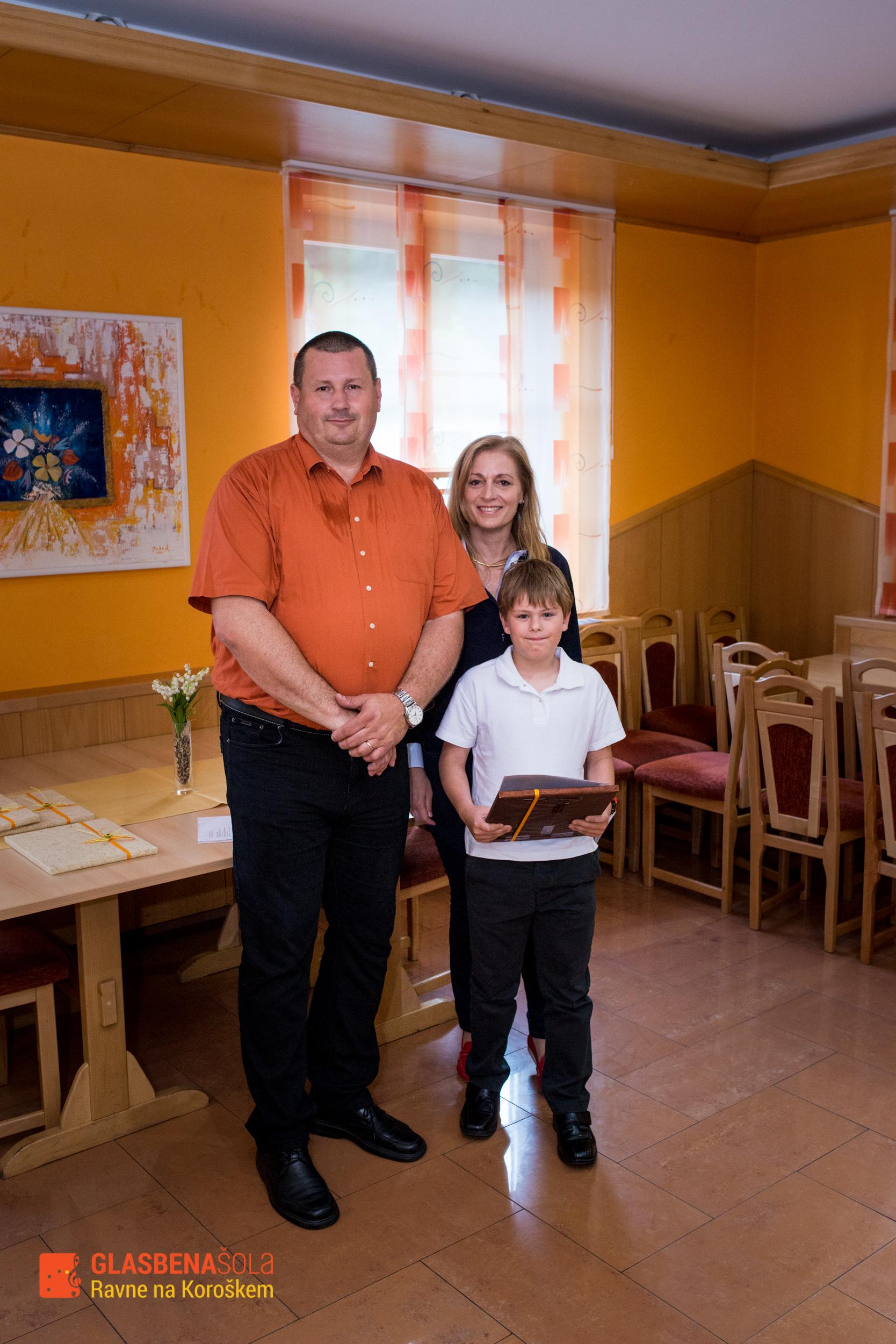 podelitev-prizanj_062015-18