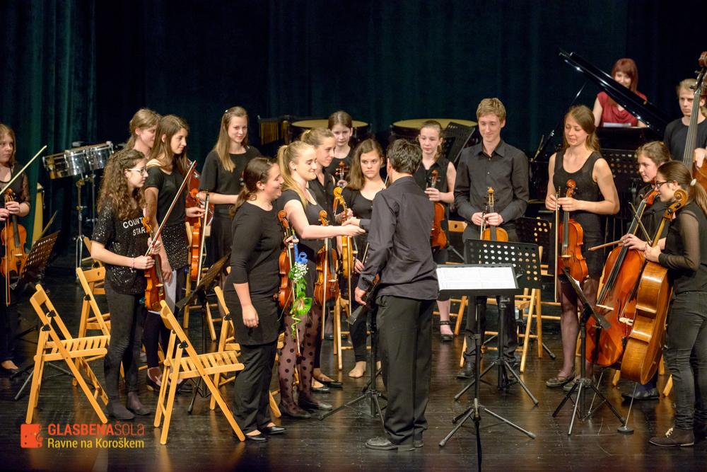 koncert-orkestrov-19-05-73
