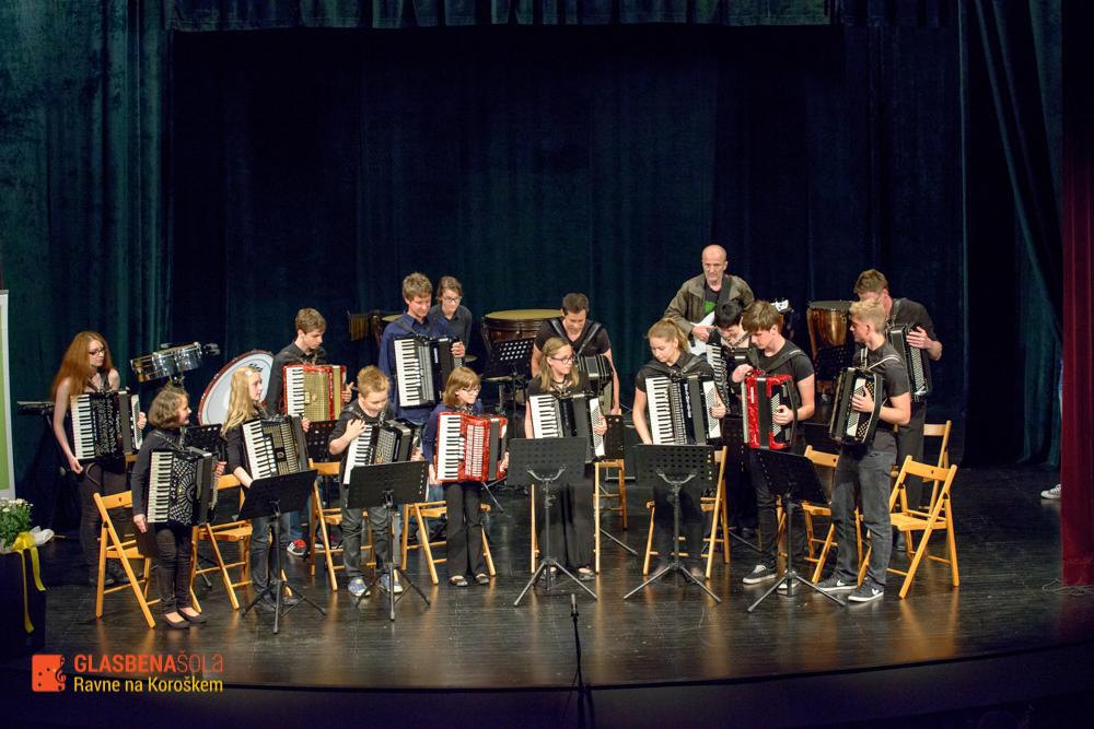 koncert-orkestrov-19-05-74